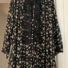 Zara kjole/buksedragt. Aldrig brugt