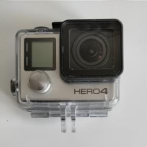Gopro Hero 4 alt på det sidste billede høre med og sælges sammen  Ny pris 5000 for alt  Oplader følger også med giv evt et bud