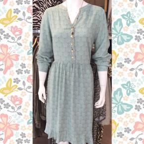 In Front kjole