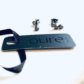 Splinternye dots øreringe med mærke fra Pure Sterling sort oxideret sølv Købt for 300,-