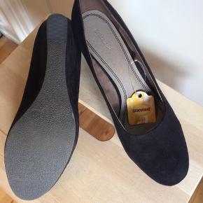 BYD :-) Fejlkøb Sorte sko med kilehæl