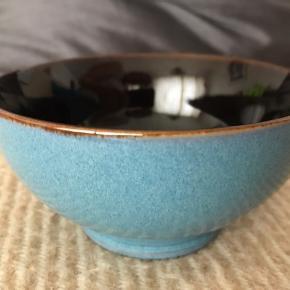 Flotteste lille Keramik skål Flot stand uden skår Som ny Sendes forsvarligt pakket ind med Dao