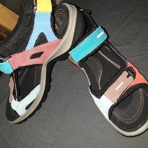Kvittering haves... købspris 850 kr. virkelig lækre sandaler.