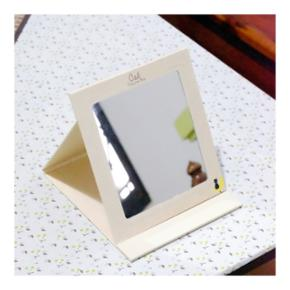 🔶️Neuf🔸️Miroir pliable  🔸️Taille A5 environ (15x20cm)