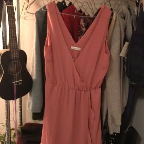 Meget fin kjole. Sælges da jeg ikke får den brugt🌸