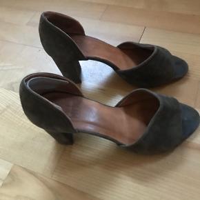 Flotte heels i ruskind!