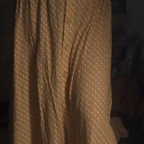 Flot nederdel, brugt få gange
