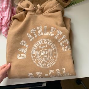 Sælger denne gap hoodie som aldrig er blevet brugt Str m BYD endelig:)