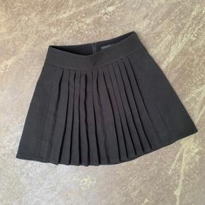 Sort nederdel fra Stockh lm (godt svensk mærke) i str. 38 🌷  Nypris: 600 kroner 💸