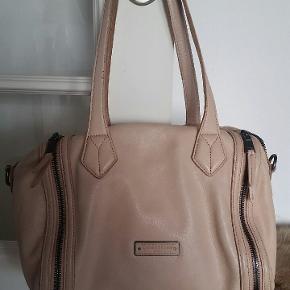 Smuk taske med dustbag 22x30 cm   Farven er som på billederne!
