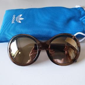 Nye flotte solbriller fra Adidas.