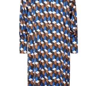 MANILOKB blue lolite Nypris 999