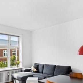 Jeg skal flytte og kan desværre ikke få min sofa med. Kom med et bud. Den skal afhentes på 4. Sal hurtigst muligt!