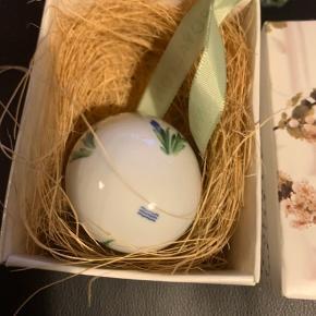 Royal æg i original æske med rede og bånd  Et samler objekt  1 sortering  2010 IRIS (1259 784) Sender + Porto 39