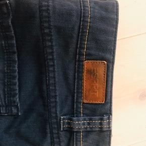 Lækker denim nederdel fra Esprit.. brugt få gange