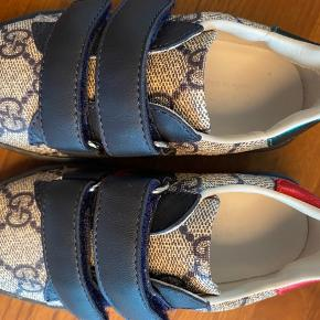 Super fine Gucci sneaks str. 24 Kun brugt et par gange. Nypris 220 EUR