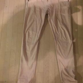 Sart rosa jeans med 2 % elastan Str. 29 Mindstepris 150 + porto / DAO Handler via Mobilepay