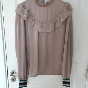 Sælger denne fine trøje str L