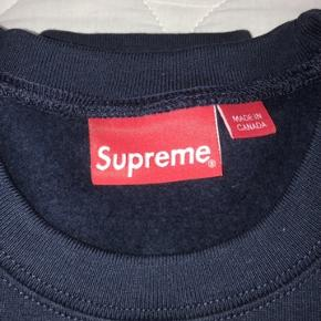 Helt ny sweatshirt fra Supreme. Udsolgt overalt. PRISEN KAN FORHANDLES!