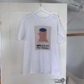 Lækker Wood Wood t-Shirt  Fra SS19 Str. Large. - true to size Brugt få gange - fejler intet. Nypris: 400 Byd!