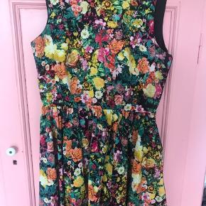 Ukendt mærke - super sød kjole