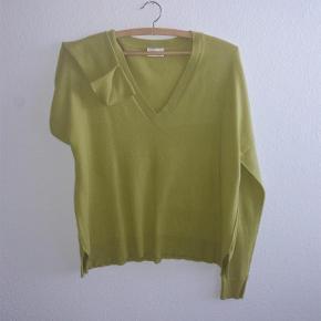 Varetype: bluse Farve: syregul Oprindelig købspris: 899 kr.  UDSALG: lækker strik fra DAY