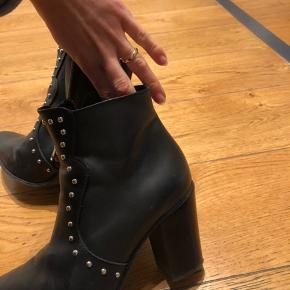 Boots from mango. No faux leather.