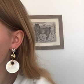 Et par rigtig fine øreringe fra Dyrberg/Kern ✨ ny pris 1800, byd endelig