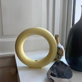 Cirkelformet vase, håndlavet. Ukendt keramiker