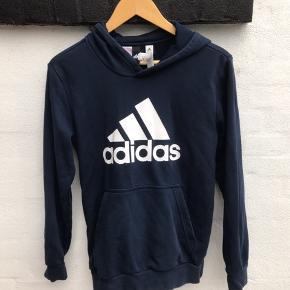 Dejlig Adidas bluse.
