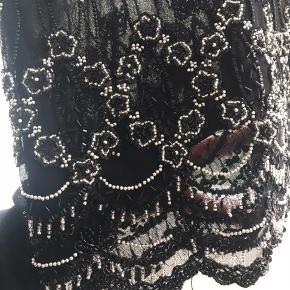 Sælger denne smukke kjole fra Ganni