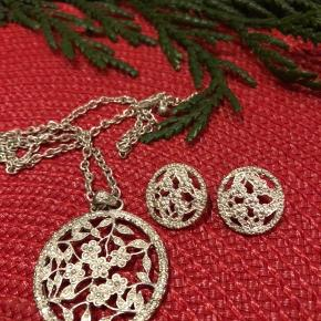 Beautiful silver set necklace and earrings