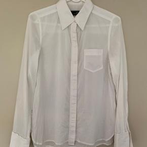 Fin klassisk hvid skjorte fra by Malene Birger