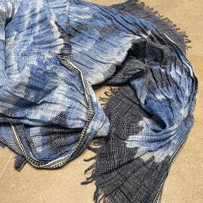 Inoui tørklæde