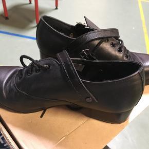 Riverdance sko. Brugt få gange.