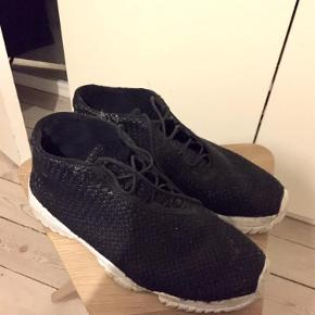 Varetype: Sko Størrelse: 42.5 Farve: Sort Oprindelig købspris: 1100 kr.  Nike Air Jordan Future