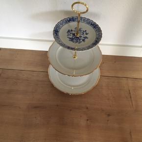 Op sats lavet af tallerkner i 3 forskellige str 120kr