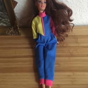 Barbie dukke -fast pris -køb 4 annoncer og den billigste er gratis - kan afhentes på Mimersgade 111 - sender gerne hvis du betaler Porto - mødes ikke andre steder - bytter ikke