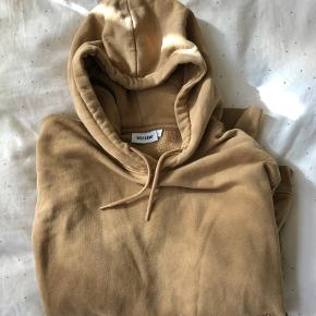 Beige / Light brown weekday hoodie with pockets, really soft :)