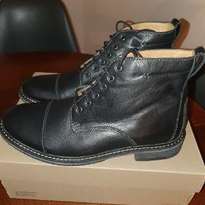 Clqrks ubrugte læder snørrestøvler str. 43