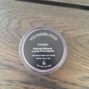 Helt ny natural mineral loose foundation - FAWN
