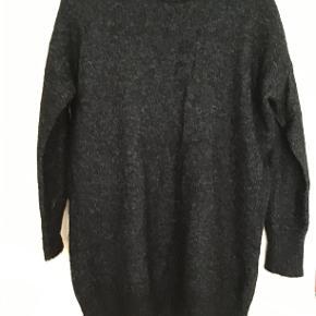 """Lang Gestuz sweaters. Brugt 1 gang. 28% Mohair, 28% wool, 42% Polyamid og 2% elastane. Deltager i """"Secondchancesummer """""""