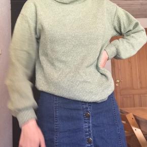Sweater i lysegrøn fra stradivarius