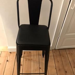 4stk custommade barstole Metal og med lædersæder  Nypris 1199,- pr stk sælges for 500,- pr stk