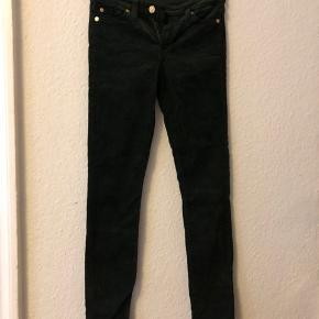 Green courdroy jeans. Size 26. Skinny fit