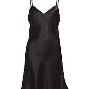 Lady Avenue anden kjole & nederdel