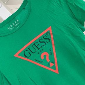 Sælger denne tshirt, den er købt i Madrid og brugt få gange.
