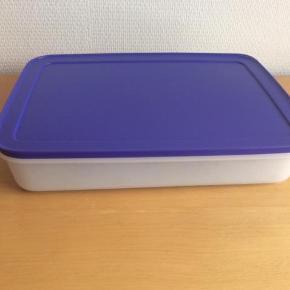 Varetype: FreezerSmart Lav 2,25 L  NY Størrelse: L 31-B 16.5-H 15.3 cm Farve: se billede Oprindelig købspris: 249 kr.  Sendes med DAO, hvis andet ikke er aftalt.