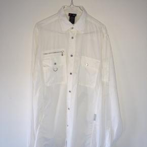 Versace Sport vintage skjorte. Købt i Studio Travel.