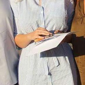 Fin, blå, ternet kjole, som jeg ikke rigtig har fået brugt siden min dimension i 2018.  #30dayssellout